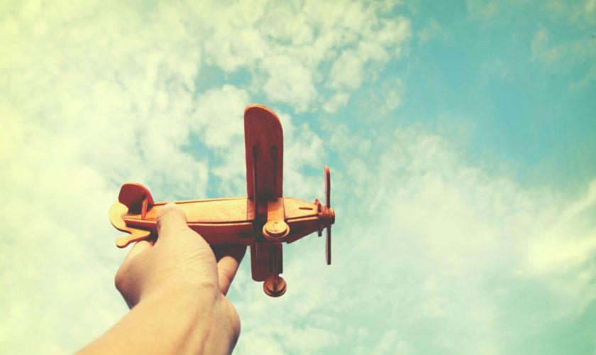Beitragsbild-Übern-den-Wolken-fliegen-Freiheit