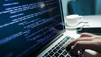 beitragsbild-source-code-scripting-coding-terminal